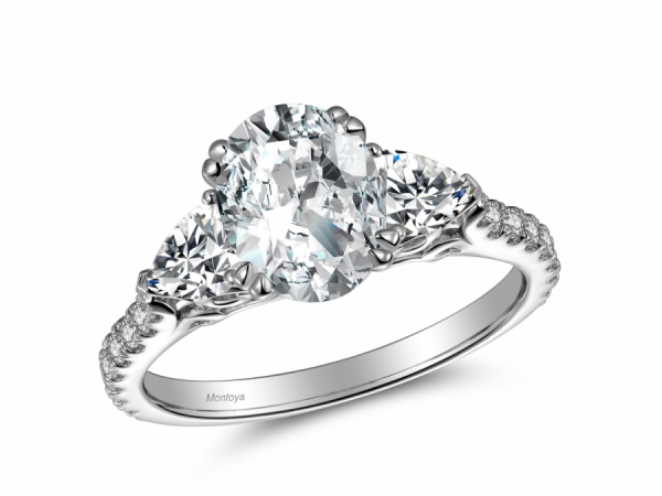 Engagement Rings - Oval Center with Parachute side stones