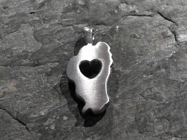 Large Falling in Love with Tahoe Pendant - 14 Karat White Gold Large Falling In Love With Tahoe Pendant. Satin Finish. Bluestone Jewelry Exclusive Design. Measures 1 1/8th of an inch tall. Chain sold separately. Comes on base metal display chain.