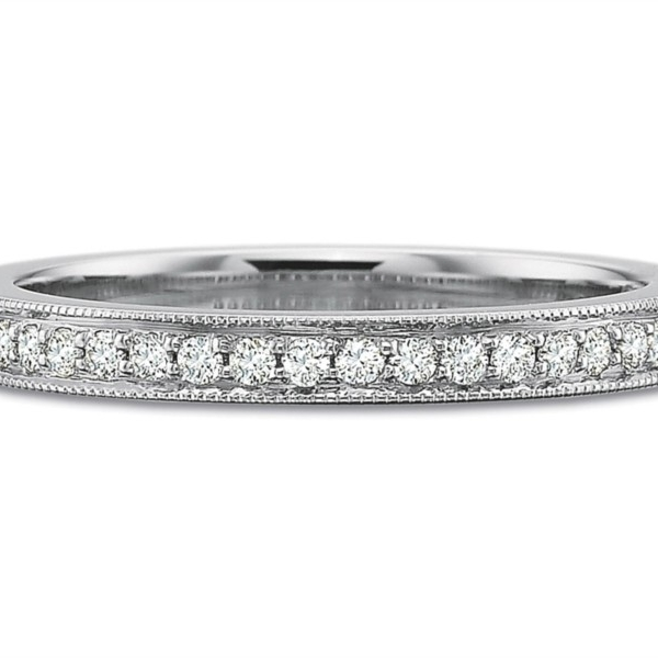 Precision Set Wedding Ring | 18K White Gold Pavéé Diamond Ring with Padis Jewelry - Milgrain Rings | Style No.