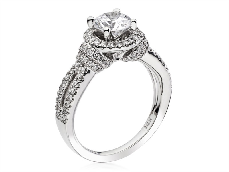 Scott Kay | 14K White Gold & Pavé Diamond Split Shank Halo Engagement Ring | Style No. 001-742-00462 M2094R310